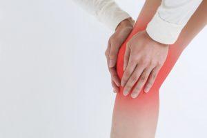 正しいスクワットの方法をネットで検索してやってみたら、膝が痛くなった経験はありませんか?
